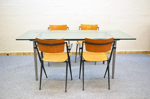 Destijds design dining table friso kramer with glass table top - Kamer dining ...